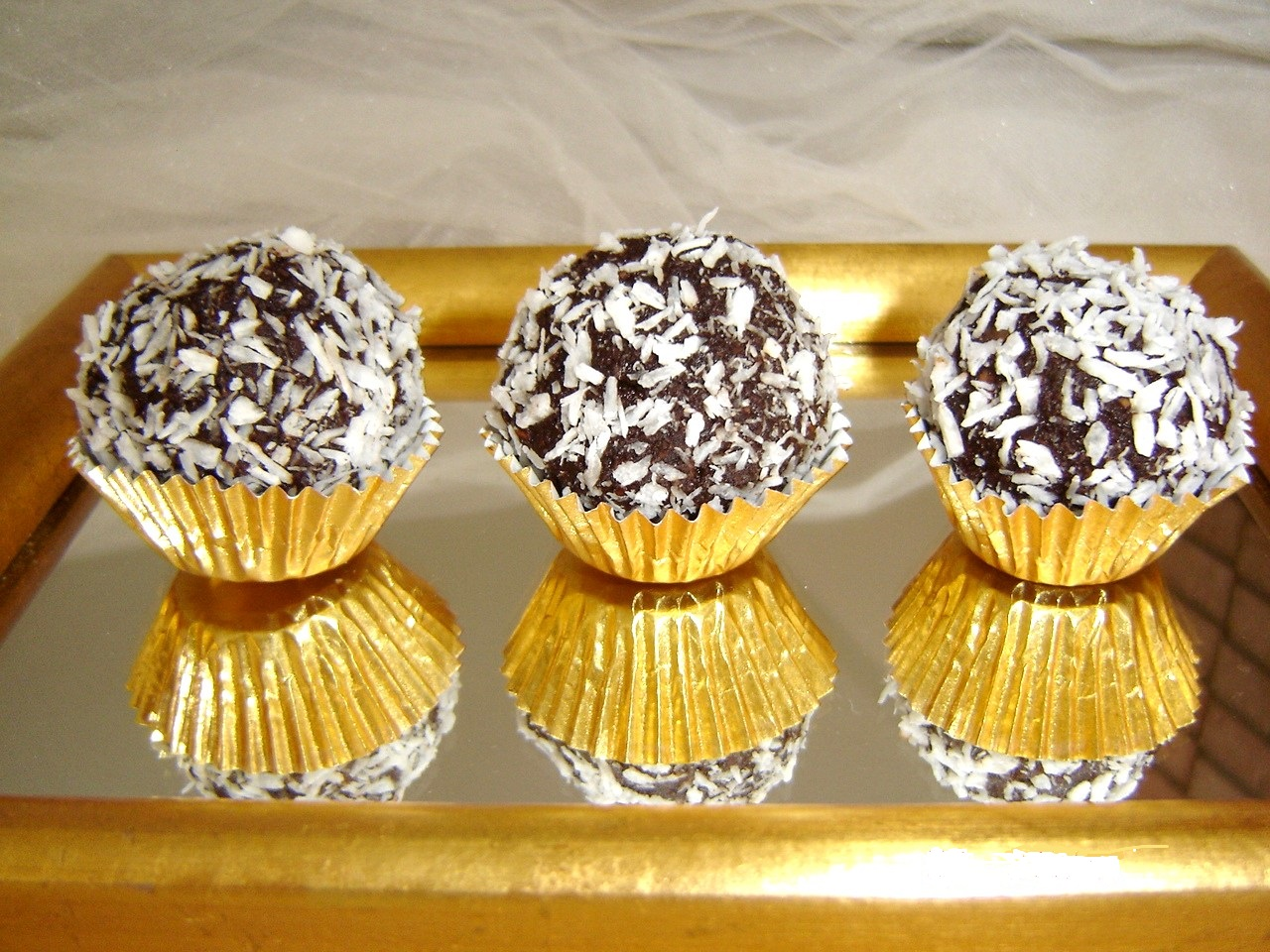 Decadent-Chocolate-Truffles-Dessert